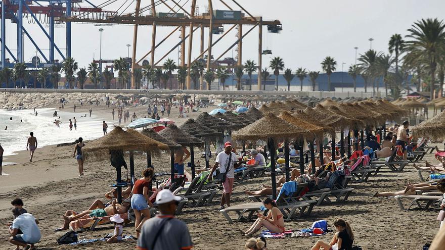 La gran ocupación de septiembre evita el cierre otoñal de decenas de hoteles en Málaga