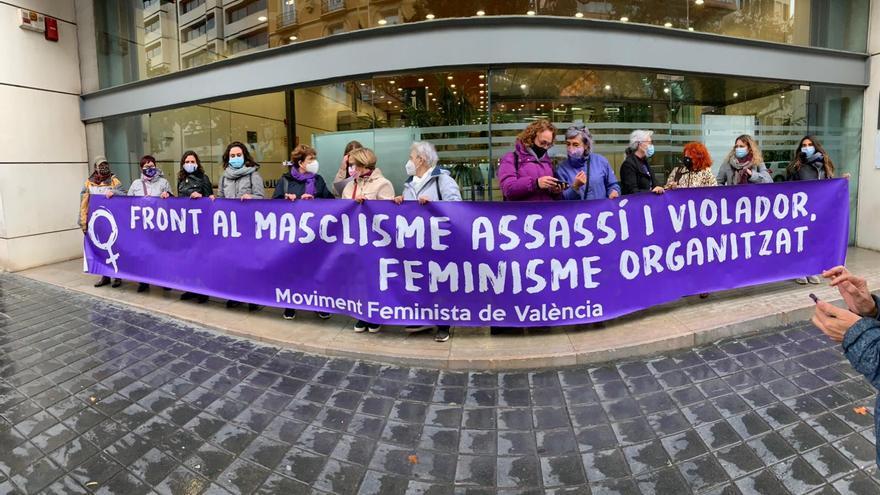Colectivos feministas piden el turno especializado para mujeres víctimas del machismo