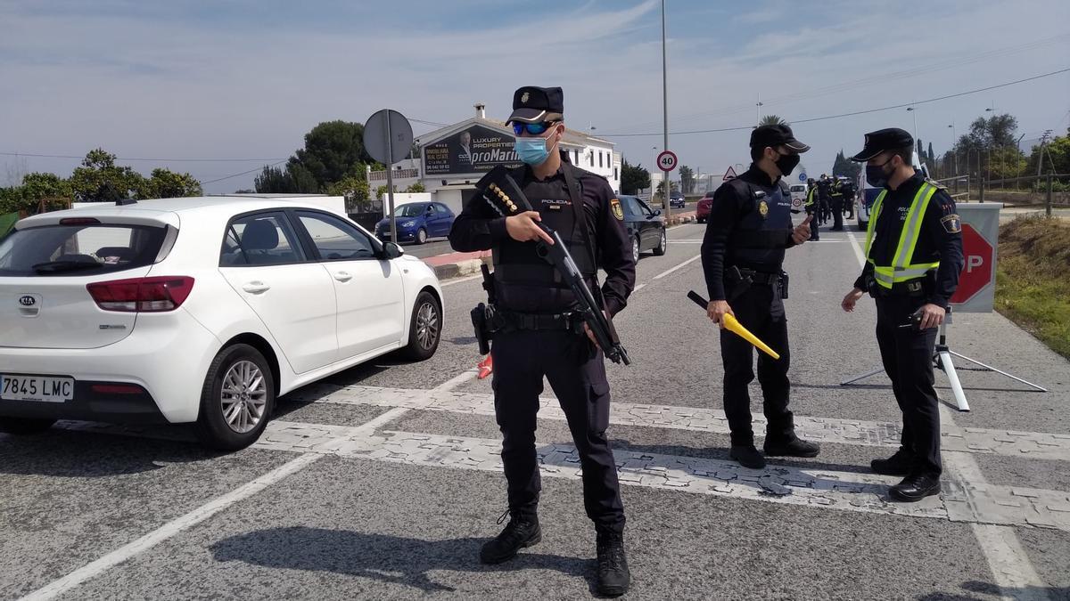 Controles policiales en Dénia