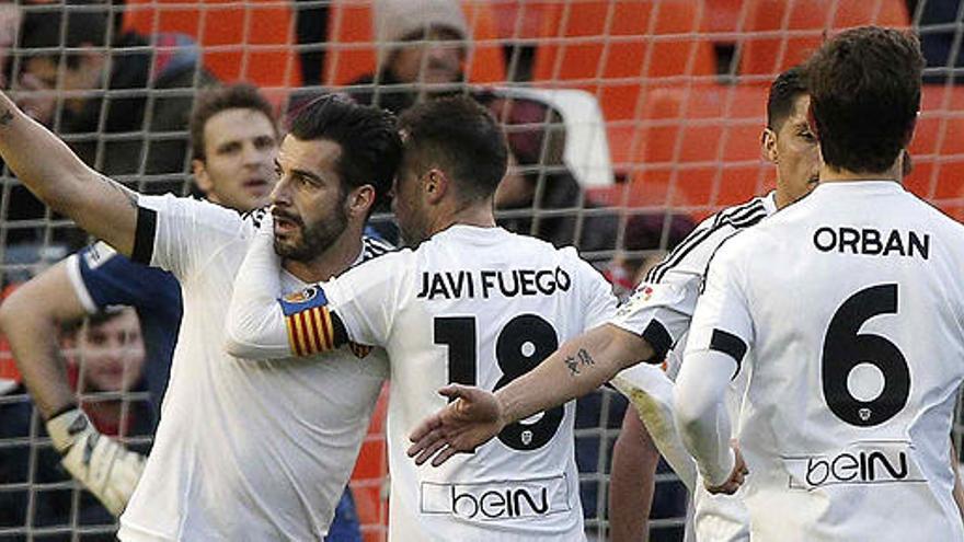 El Valencia golea al Granada y enfila hacia los cuartos de la Copa