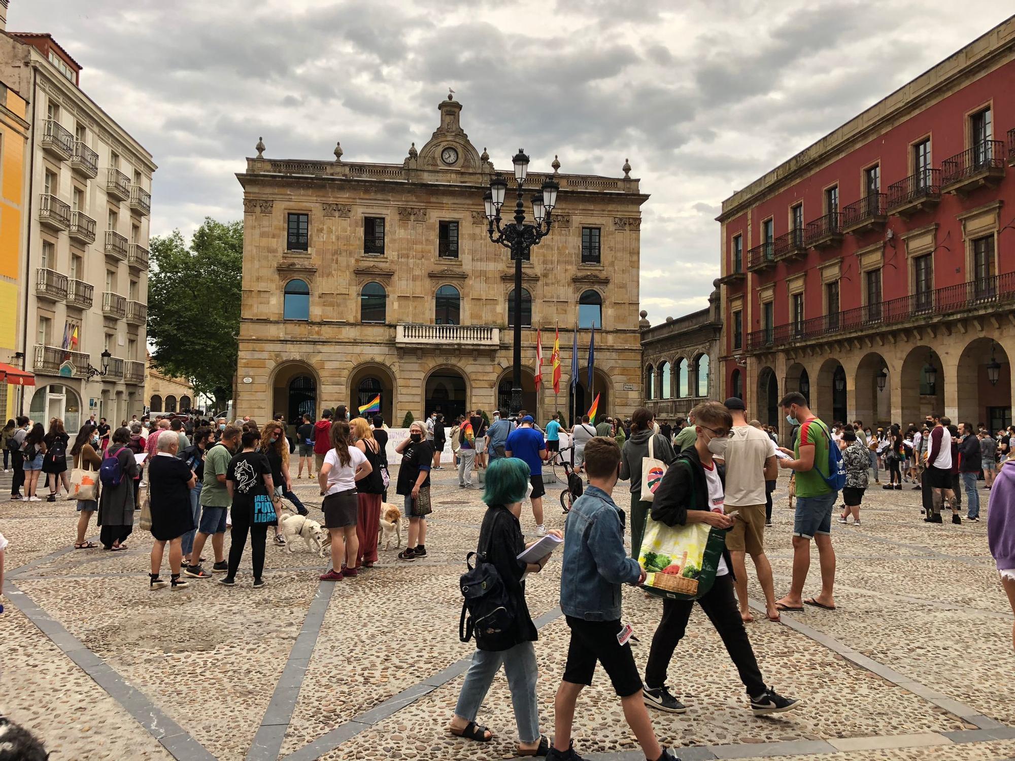 """Oviedo y Gijón salen a la calle para pedir justicia por el asesinato de Samuel: """"Ni una agresión sin respuesta"""""""