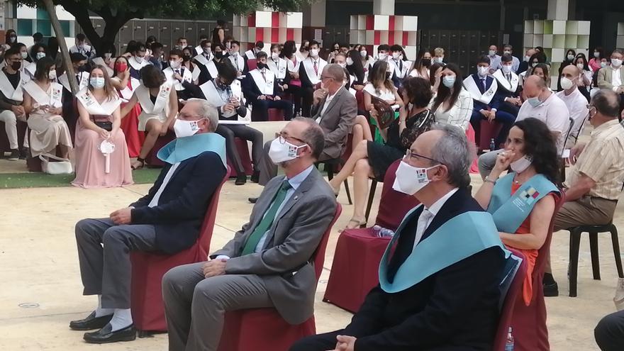 El alcalde de El Campello apadrina la ceremonia de graduación del Liceo Francés