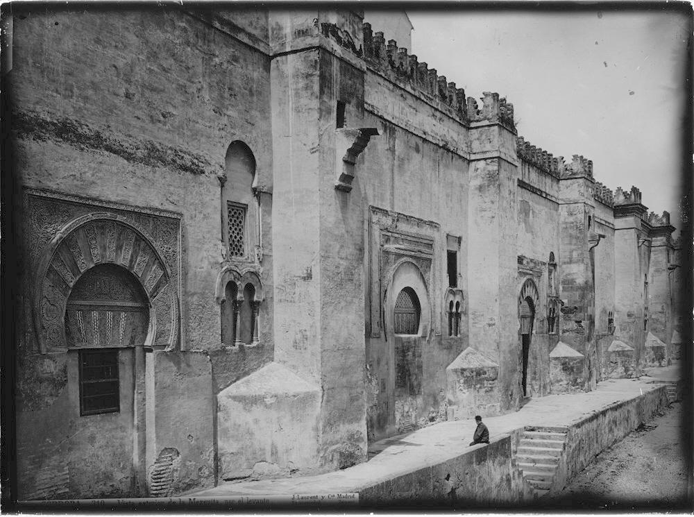 310 C�rdoba Vista exterior de la Mezquita por Levante.jpg