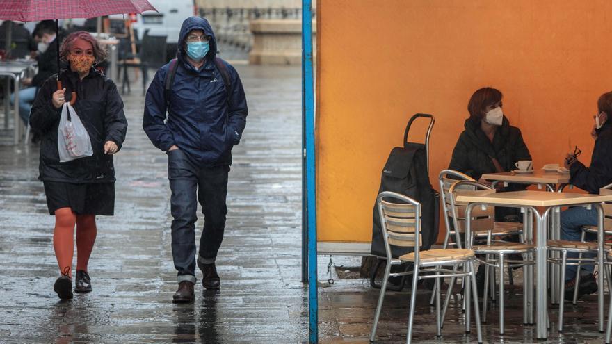 Los científicos asturianos acatan, por oportuna, el fin de la mascarilla pero avisan del riesgo si hay nuevas cepas