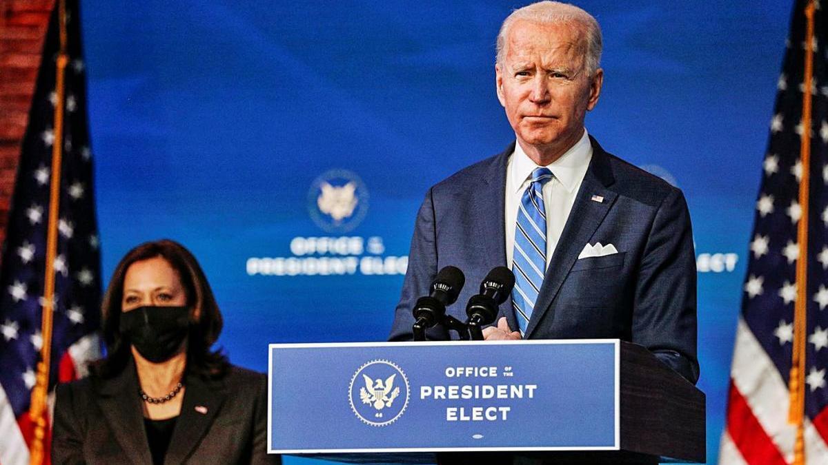 Kamala Harris i Joe Biden en un discurs televisat sobre les crisis econòmica i sanitària