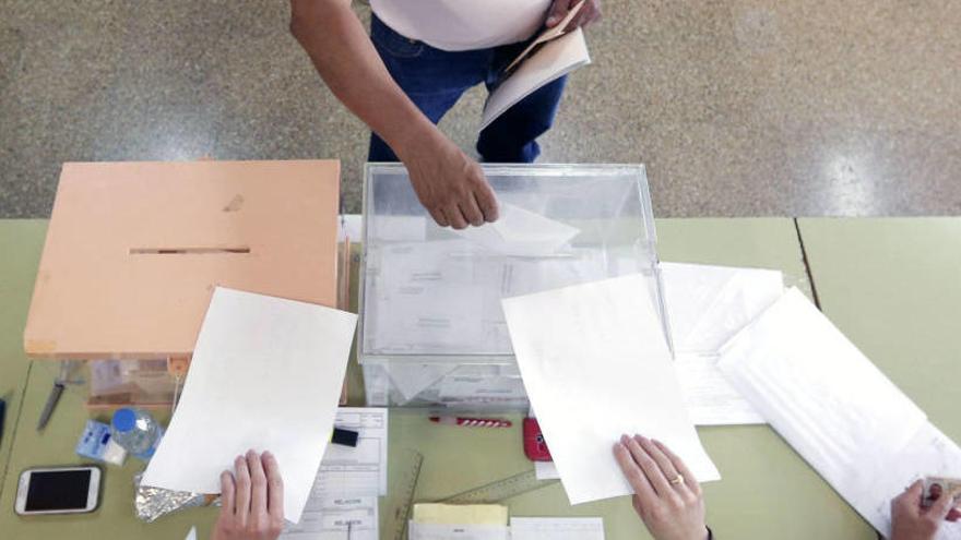 Voto en blanco: qué es y a quién beneficia.