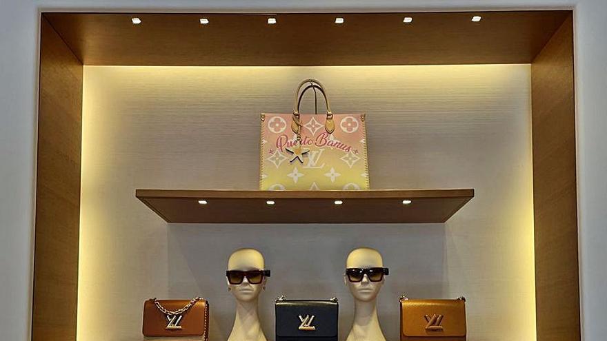 Louis Vuitton dedica un bolso de edición limitada a Puerto Banús