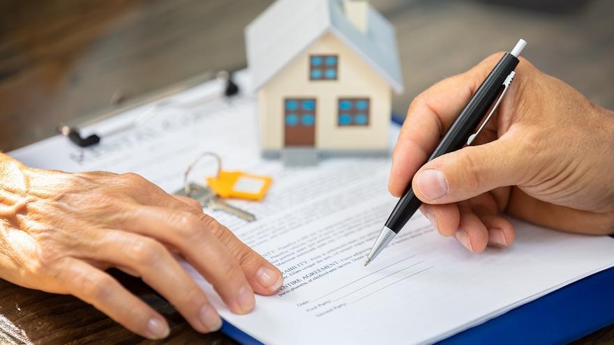 La compraventa de viviendas en Canarias sube un 21,8% en agosto