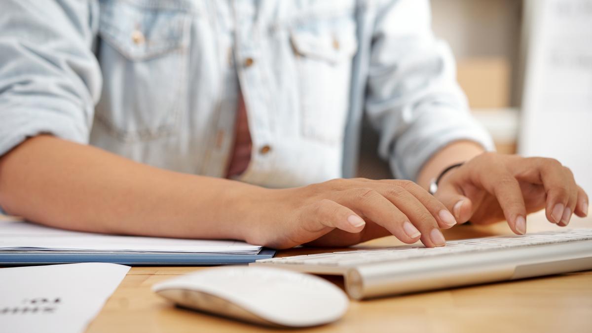Tinder quiere incluir los antecedentes penales en los perfiles de sus usuarios