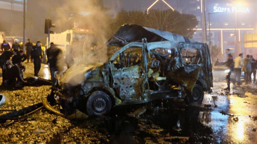 Suben a 44 los fallecidos por el doble atentado de Estambul