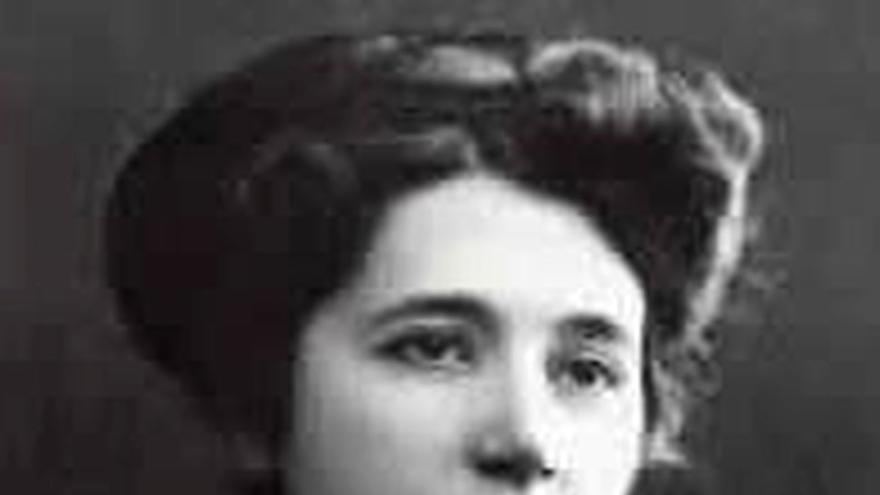 María de la O Lejárraga, escriptora i activista