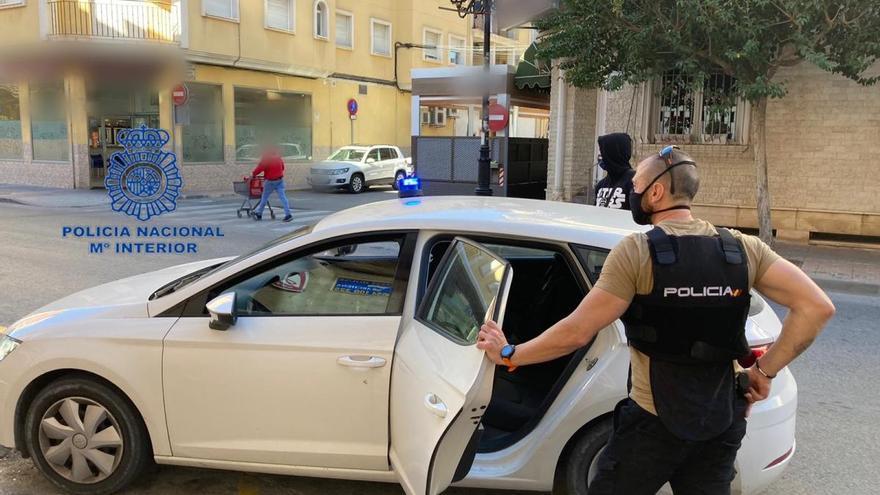 Detenidos por atracar una gasolinera y una casa con un arma de fuego