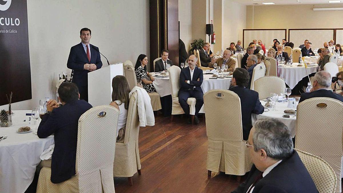 El candidato del PSdeG-PSOE a la Xunta, durante su intervención en el Círculo de Empresarios.