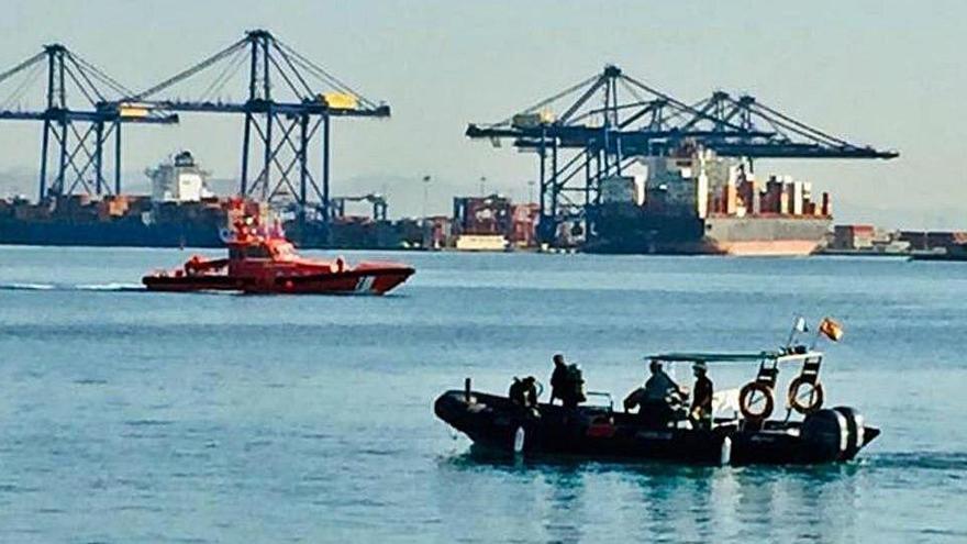 Mueren dos niños en Valencia tras saltar al agua en el Puerto para no ser repatriados