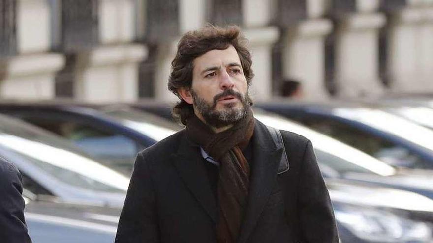 El juez desoye al fiscal y se limita a retirar el pasaporte al hijo menor de Jordi Pujol