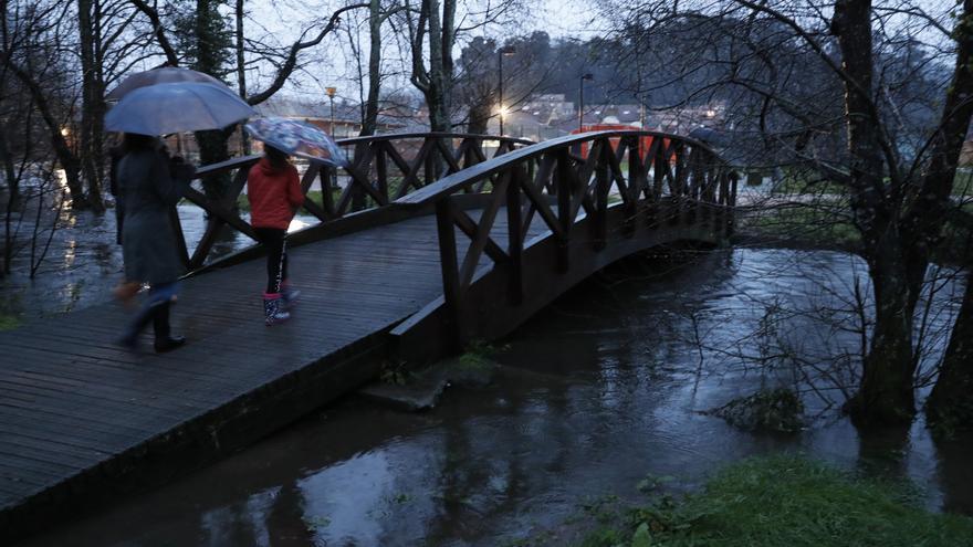 El río Miñor se desborda por segunda vez en dos días e inunda Gondomar