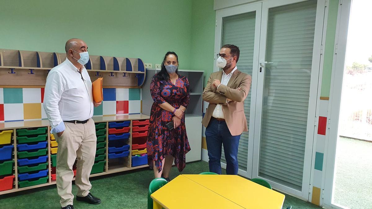 Francisco Perán, Antonia Pérez y Diego José Mateos, en La Hoya.