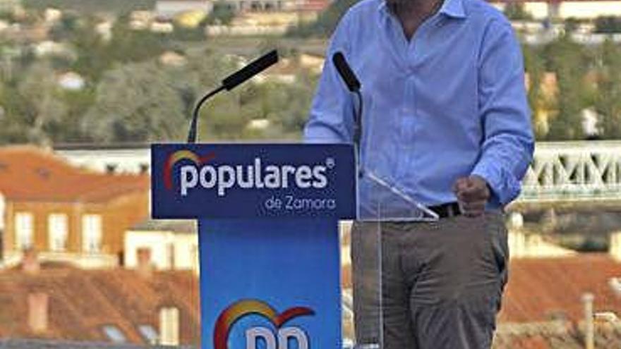"""Mañueco defiende """"la experiencia, la solvencia y la fiabilidad del PP"""""""