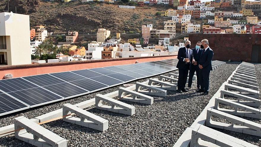 Los edificios públicos insulares se dotan de energía fotovoltaica