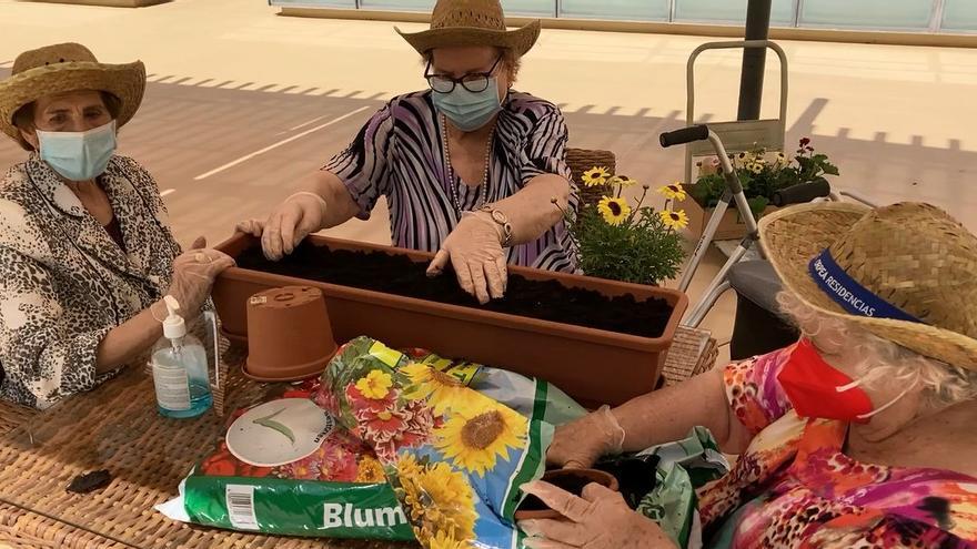 Los mayores de la residencia Orpea recuperan poco a poco las actividades diarias