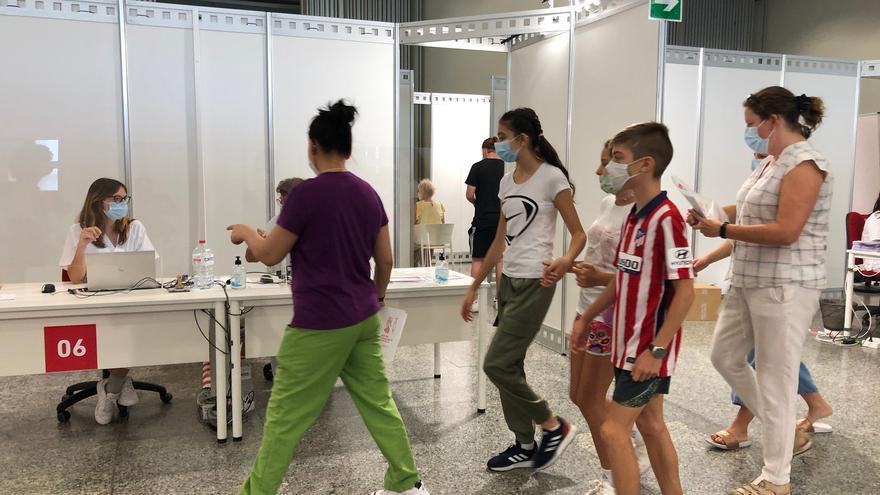 Primeres vacunes sense cita a València