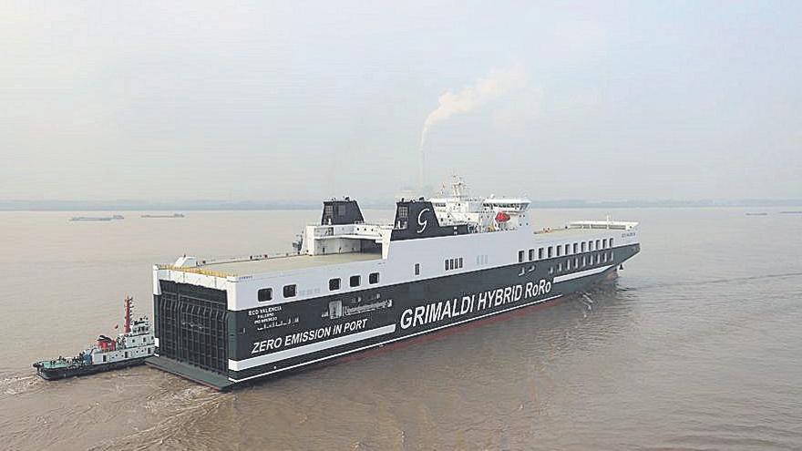 Grimaldi pone en ruta su primer buque híbrido para las líneas entre Italia y el Puerto de València