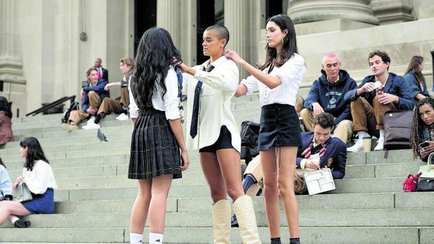 Mismo lujo y más diversidad: así regresa «Gossip Girl» a HBO