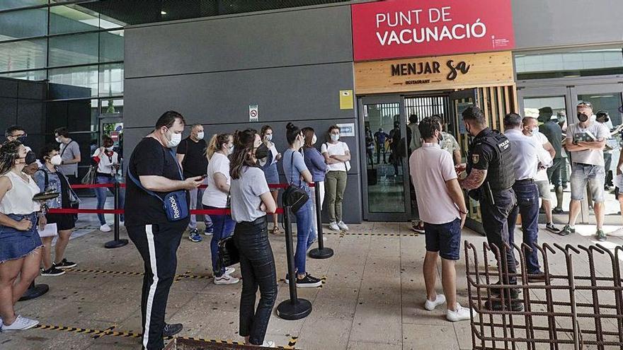 Auf Mallorca und den anderen Inseln lagern über 280.000 Impfdosen in den Kühlschränken