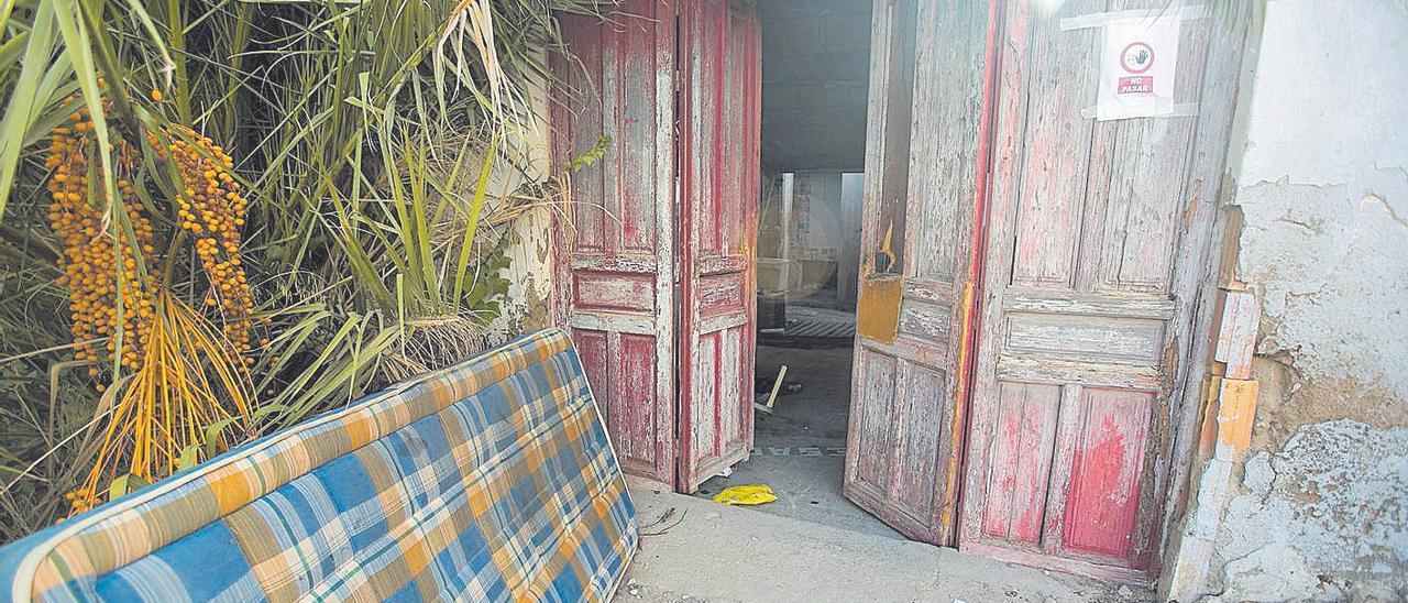 Una vivienda ocupada en un barrio humilde de Alicante, en una imagen de archivo.