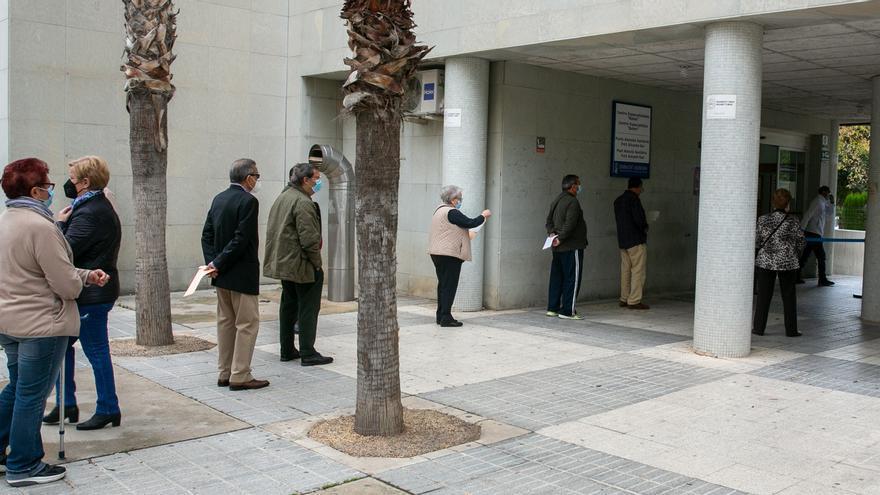 """Barceló afirma que """"pronto"""" se abrirán las agendas de los médicos en los centros de salud"""
