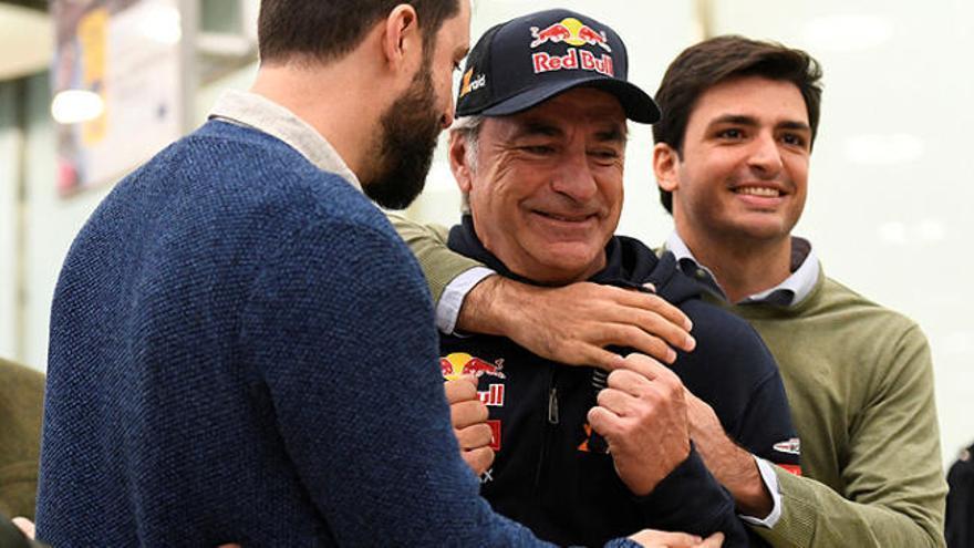 """Un Carlos Sainz """"abrumado"""" no aclara si volverá al Dakar"""