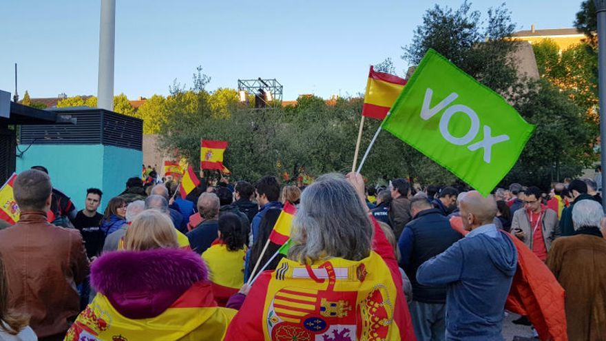 Vox pide antecedentes y datos de los que dan charlas sobre LGTBI en colegios de Valencia