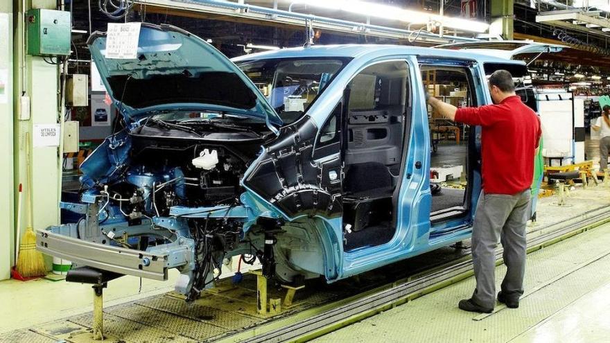 """El Gobierno cree que Nissan """"tiene futuro"""" en España"""