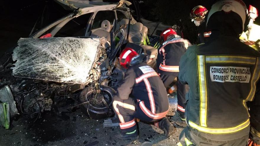 Un fallecido tras el choque frontal de dos coches en Culla