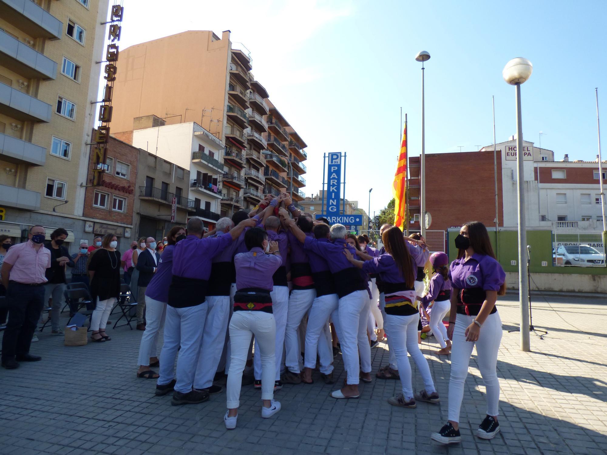 La Colla Castellera de Figueres ha celebrat els seus 25 anys amb un pilar de quatre, la primera actuació des d'abans de la pandèmia