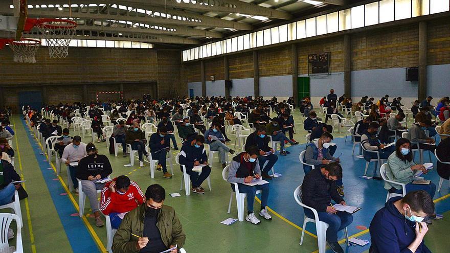 Solo 58 de los 279 aspirantes a policía local de Moaña logran superar las pruebas teóricas