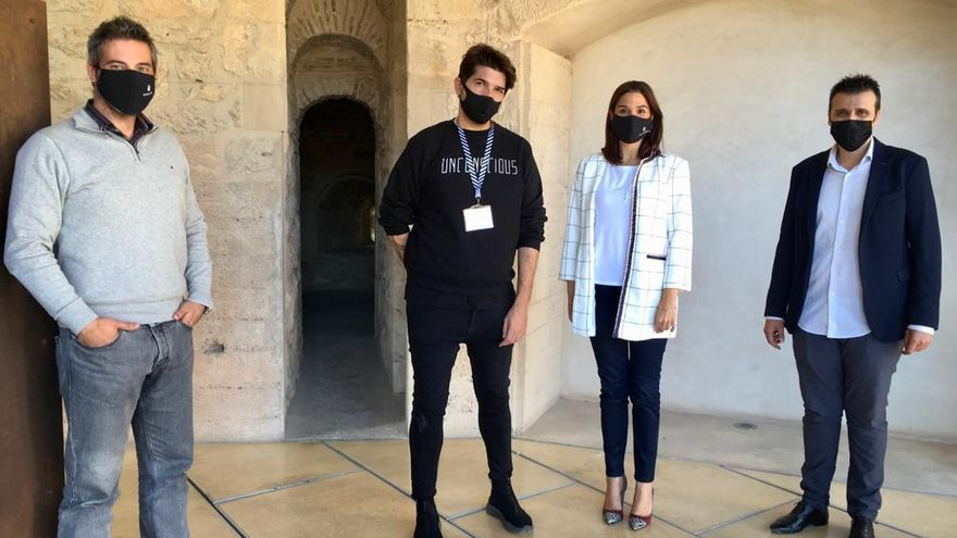 Sesiones de fotos en el MAHE para visibilizar el sector de la moda