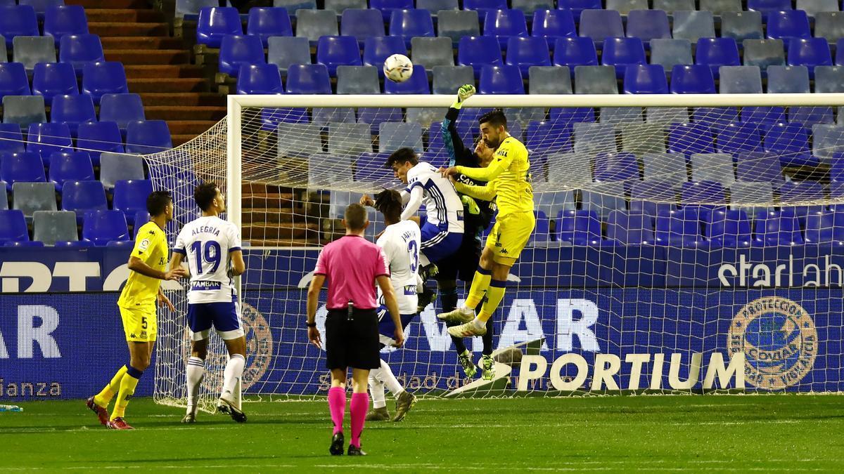 Gol encajado por Cristian ante el Alcorcón tras un córner.