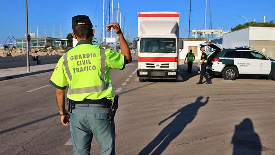 Controles de camiones de la Guardia Civil en Balears para velar por la seguridad