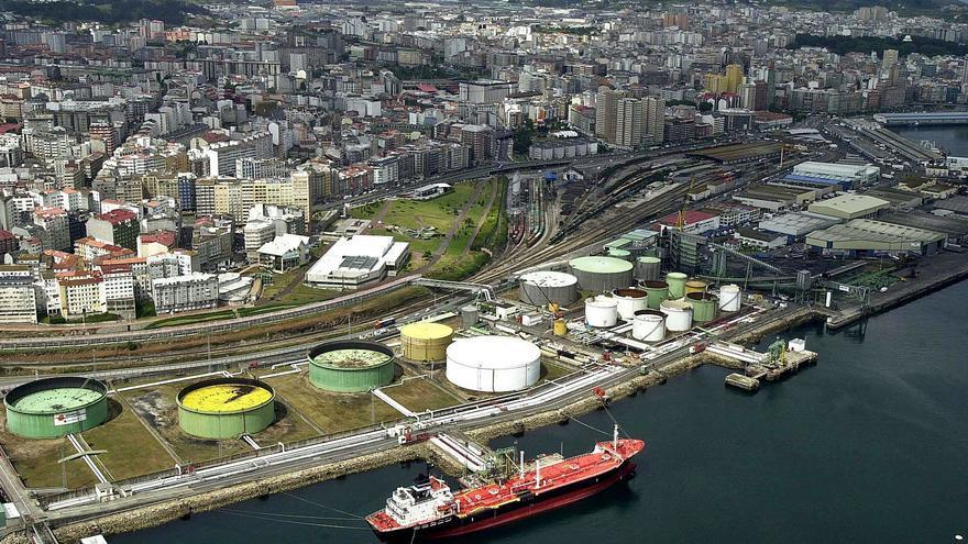 La Universidade propone bloques de pisos de cuatro plantas en el muelle petrolero
