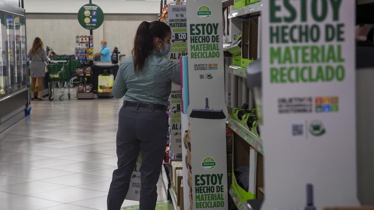 Empleo en Mercadona: buscan personal de supermercado, mozos de almacén, ingenieros e informáticos, entre otros puestos de trabajo.