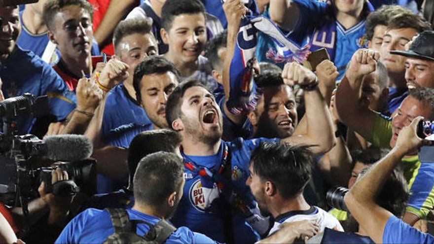 El Getafe vuelve a Primera remontando al Tenerife