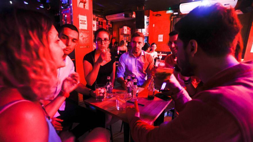 La noche valenciana detecta desabastecimientos puntuales de alcohol