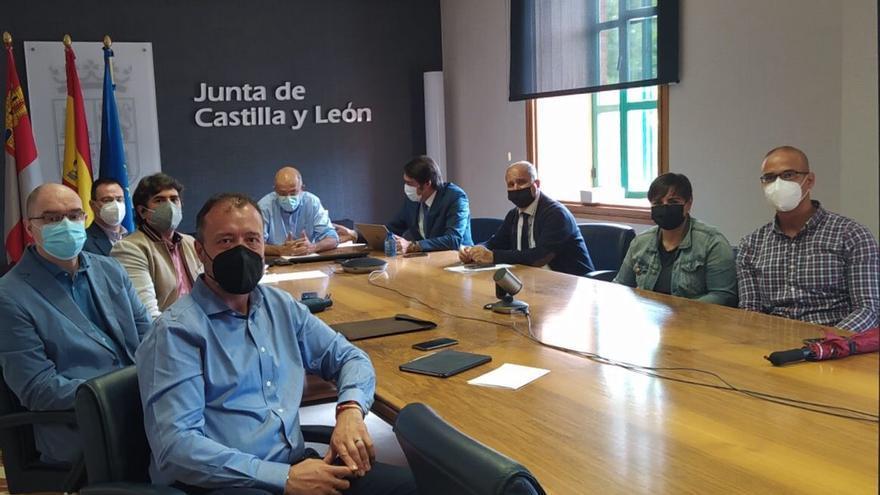 La Junta subvencionará hasta el 25% del billete del AVE de los que trabajen fuera de Castilla y León