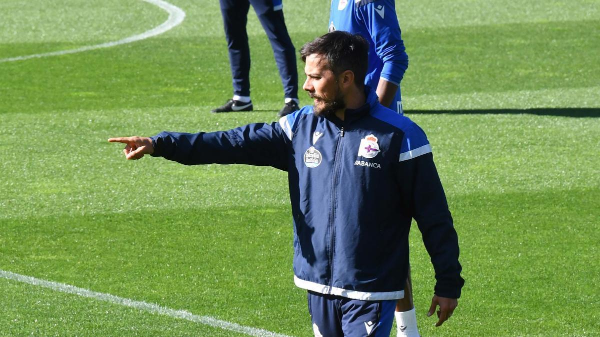 El entrenador Rubén de la Barrera.