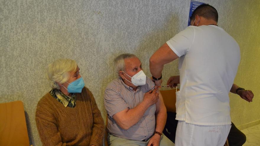 Los sanabreses piden a Sacyl que vacune en los centros de salud de la comarca zamorana