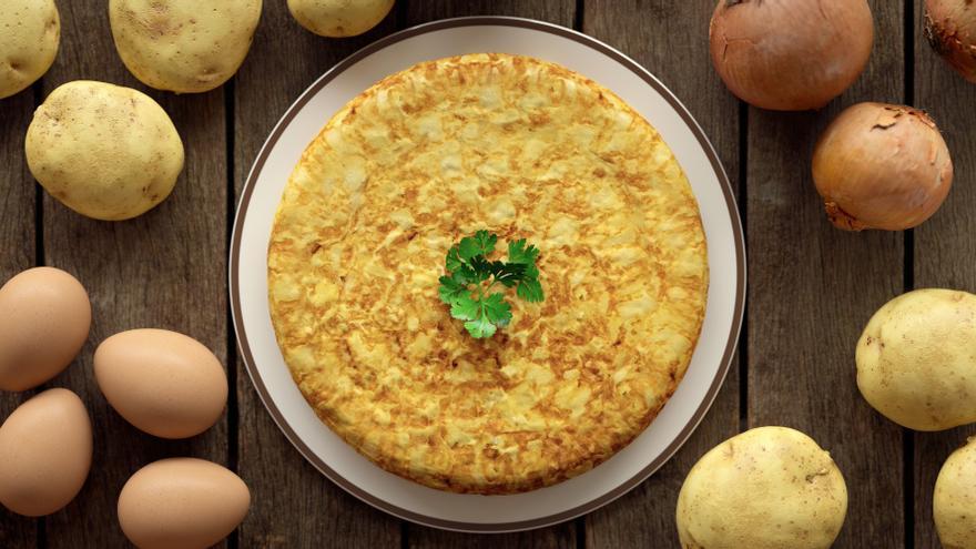 Tortilla de patatas, trucos para el plato de los eternos debates