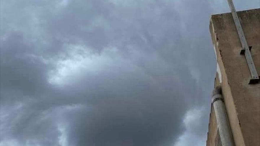 Las mejores imágenes del tornado que ha sorprendido a Vilafranca