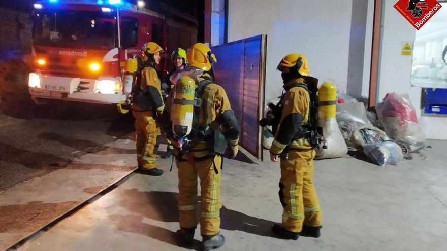Nuevo incendio en la empresa Hilaturas Ferre de Banyeres