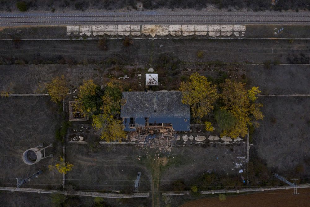 Estación de tren de Andavías en ruinas
